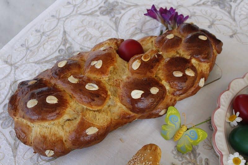 Tsoureki image