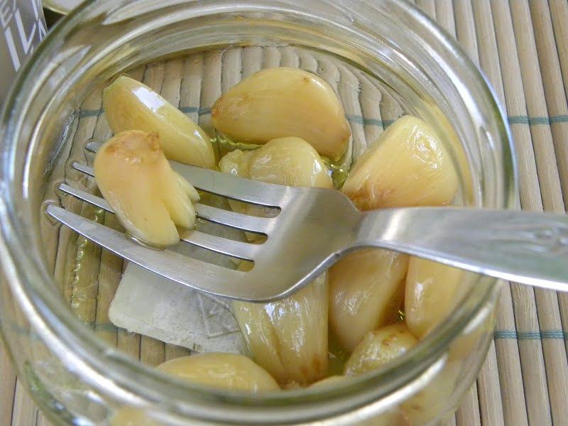 roasted garlic image