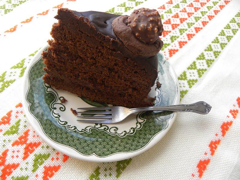 Chocolate Ferrero Rocher Cake cut image