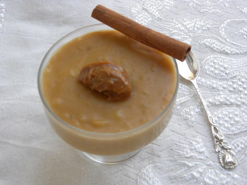 Dulce de leche ryzogalo served with dulce de leche image