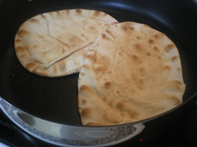Grilled pita bread image