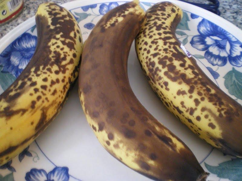 ripe bananas image