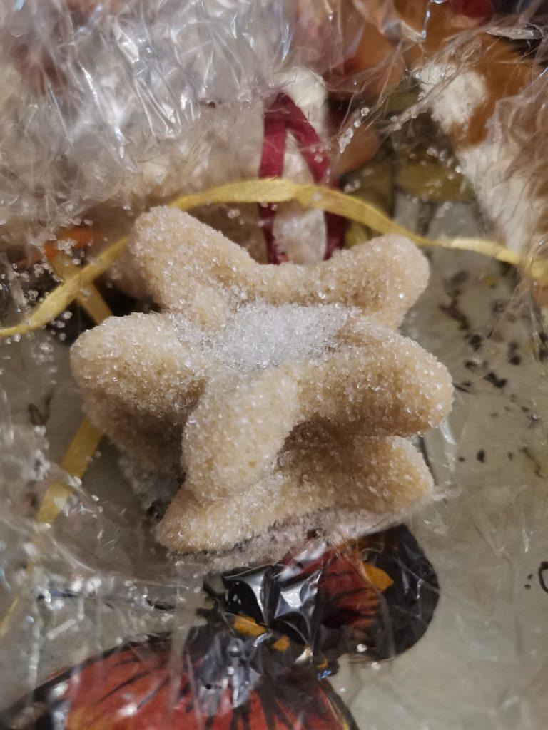 Amygdalota shaped into a star image