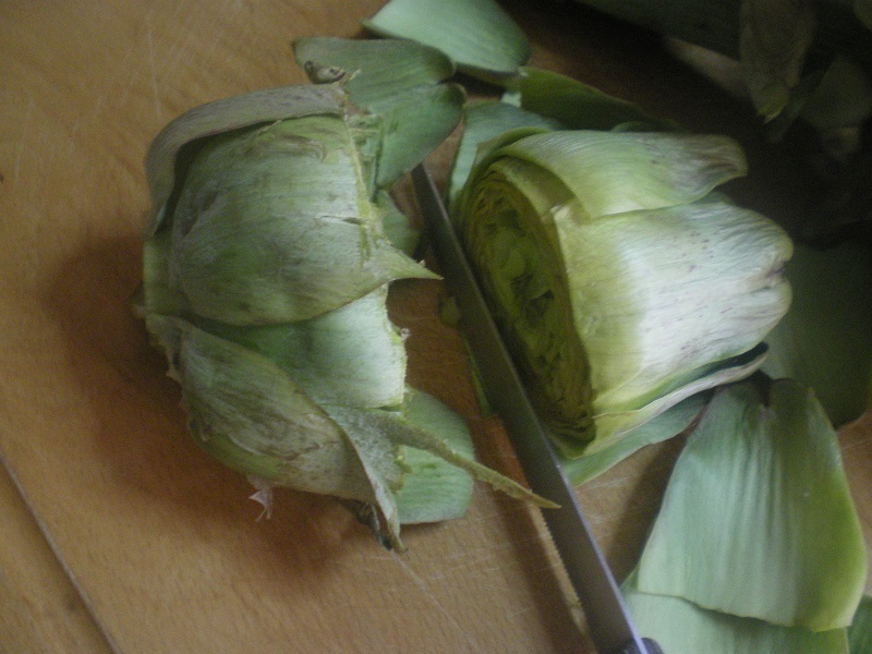 Cutting the artichoke by one third image