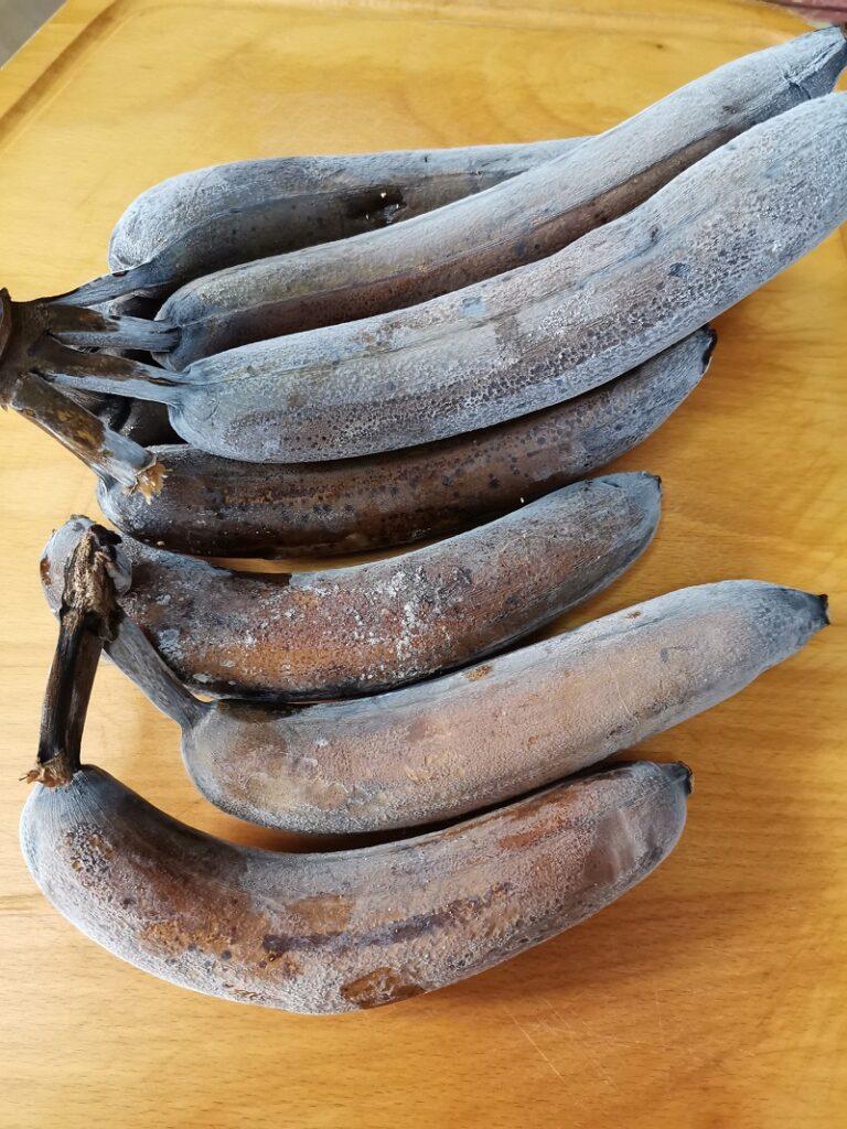 Frozen bananas image