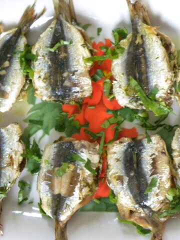 Marinated and Sandwiched Grilled Fresh Sardines